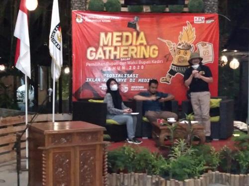 KPU Kabupaten Kediri menggelar acara Media Gathering Dalam Pemilihan Bupati dan Wakil Bupati Kediri Tahun 2020, Selasa (29/9/2020) malam.